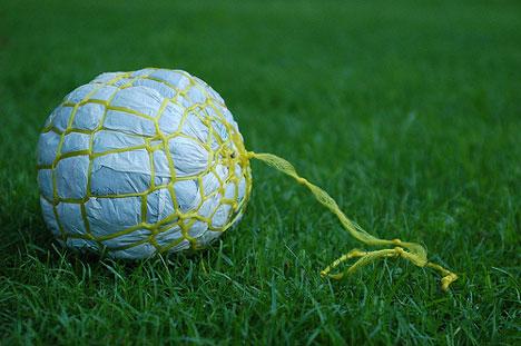 plastic bag football Arte e Objetos feita com Material Reciclado